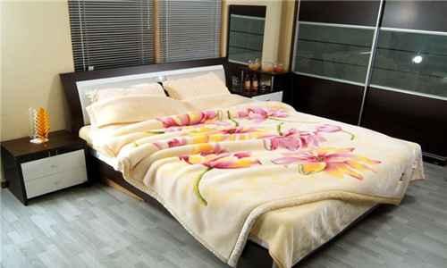 毛毯可以用洗衣机洗吗_WWW.171ZZ.NET