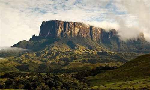 世界上最神奇的山_WWW.171ZZ.NET