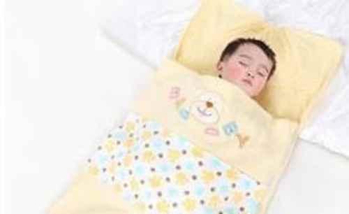 宝宝睡袋哪个牌子好?宝宝睡袋怎么挑选?_WWW.171ZZ.NET