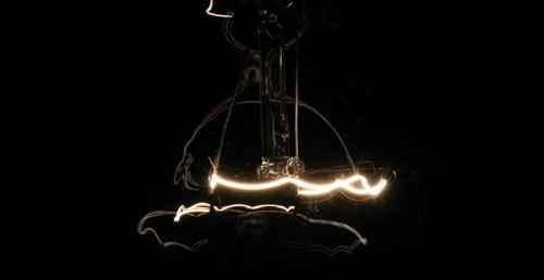 电灯泡为什么会发光?_WWW.171ZZ.NET