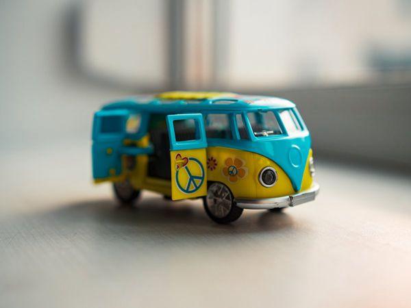 卡通客车模型图片_WWW.171ZZ.NET