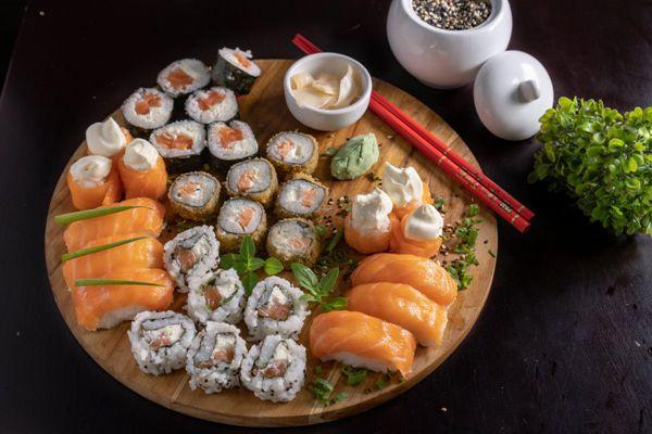 可口美味的寿司图片_WWW.171ZZ.NET