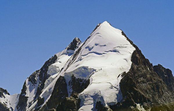 瑞士恩加丁谷地自然风景图片_WWW.171ZZ.NET