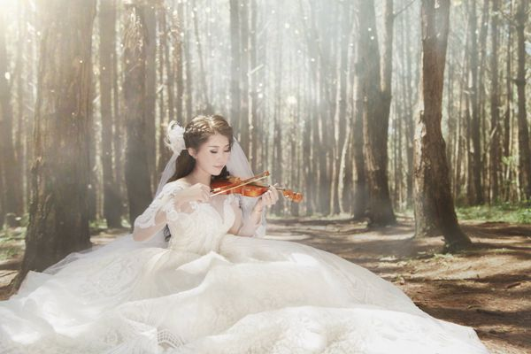 新娘婚纱唯美写真图片_WWW.171ZZ.NET